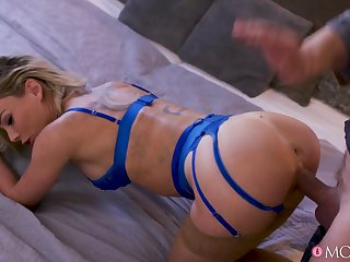 Isabelle Deltore in Passionate pleasure for blonde MILF - SexyHub