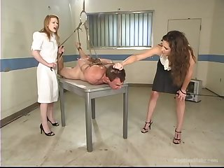 Madison Young gets the brush pussy pleased overwrought roasting coupled with tied dude in the room