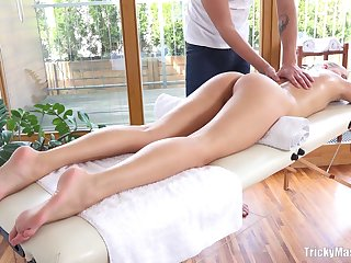 Amateur fucking on the massage table involving good looking Karolina
