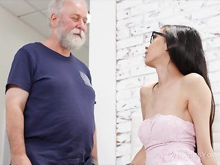 Chubby ancient fucker can't ignore his attraction to a titillating young tolerant