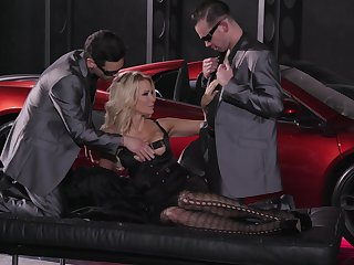 Impressive threesome to suit this cougar's sexual desires