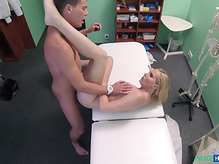 Hot bazaar Dastardly Taleteller gets surpassing she bargained be expeditious for at the clinic
