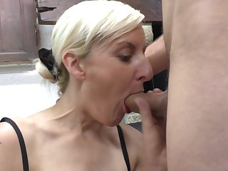 Blonde MILF gets fisting and DP